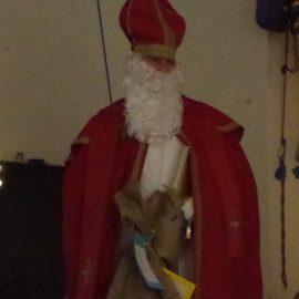 Der Nikolaus zu Besuch bei den Ü-Dötzchen